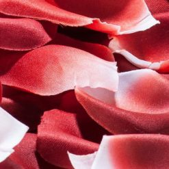 Pétalos de rosa artificiales